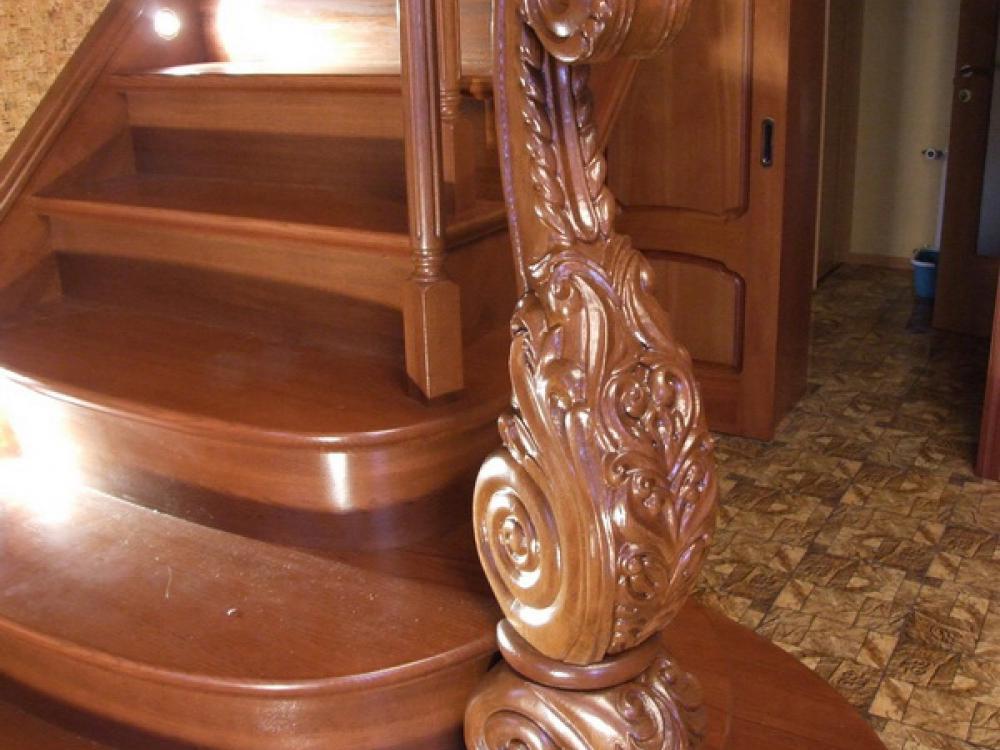 """Фото лестниц от компании """"Лестницы из дерева"""" +7 (961) 002 42 42"""