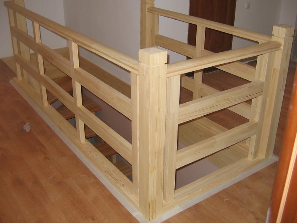 Перила лестницы на второй этаж фото в